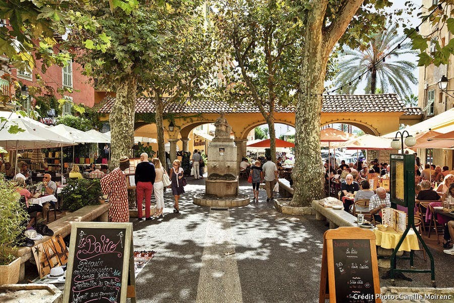 Place aux Herbes - Cafés et Restaurants à Menton
