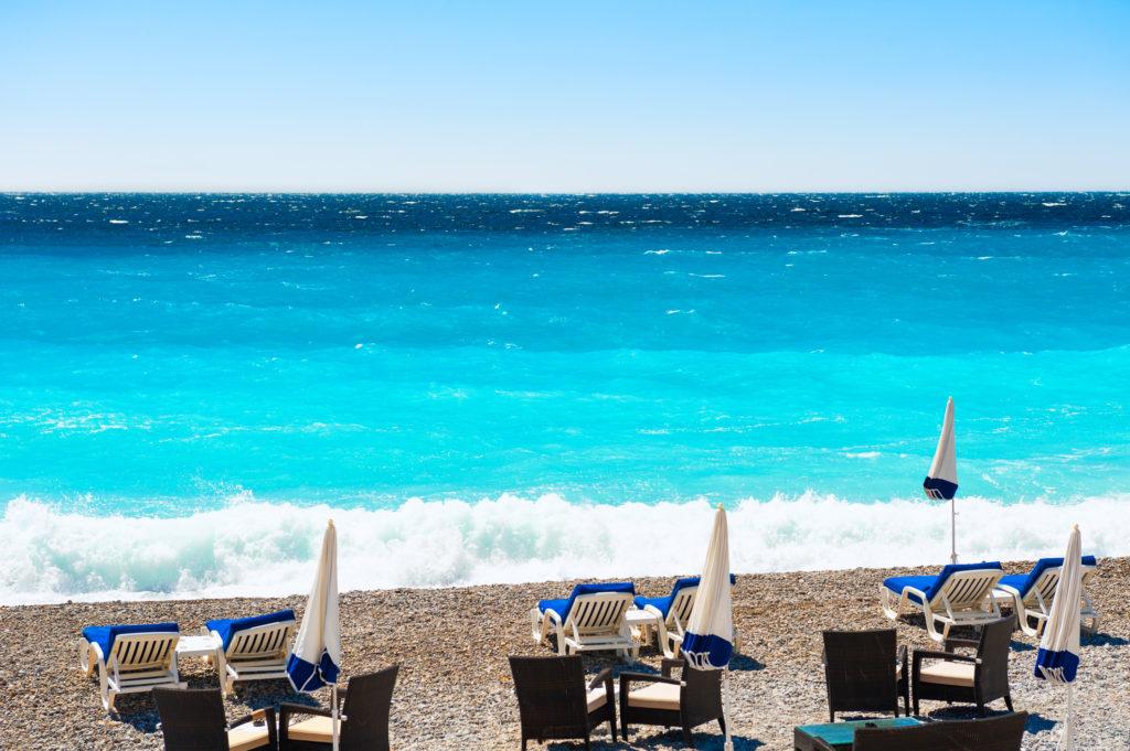 Côte de la mer à Nice